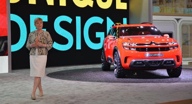 Linda Jackson, directora mundial de Citroën, presentó en el Salón...