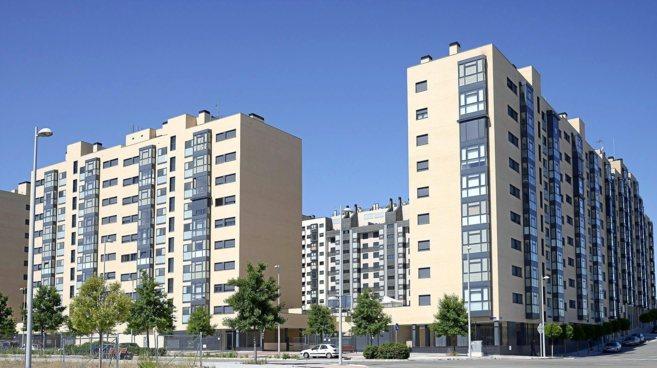 Imagen del entorno urbanístico de Valdebebas, con bloques de vivienda...