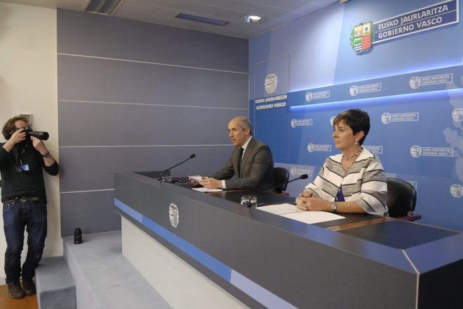 Arantxa Tapia y Josu Erkoreka, en la comparecencia tras el Consejo de...
