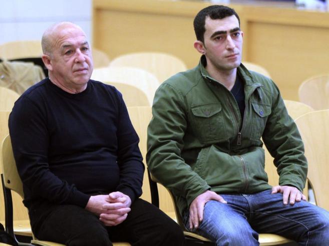 Los acusados de intermediar en el cobro del rescate, en la Audiencia...