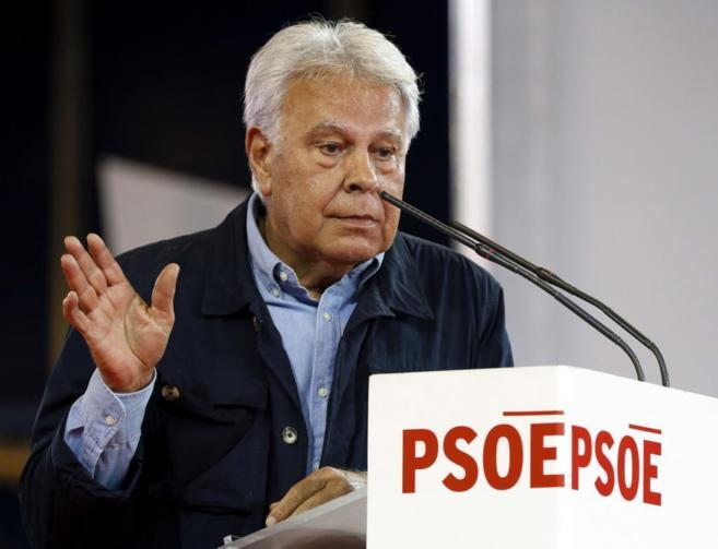 El expresidente del Gobierno Felipe González durante su intervención...