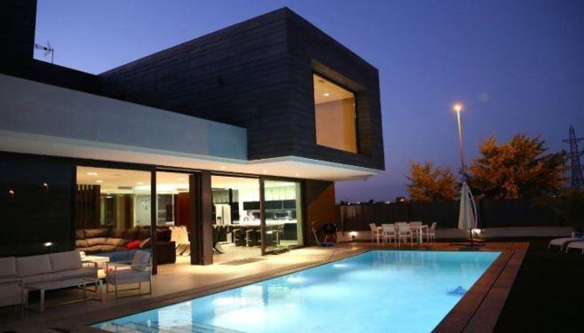 La casa m s 39 inteligente 39 de 2014 vivienda el mundo for Las mejores fachadas de las villas