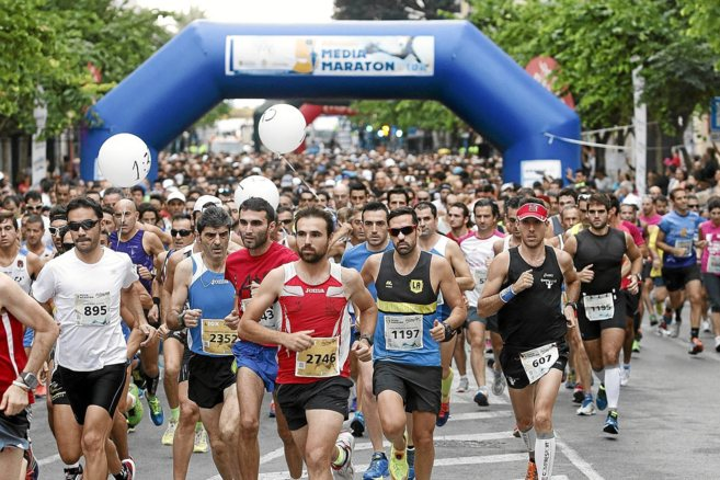 Imagen de la salida de la Media Maraqtón de Alicante que se celebró...