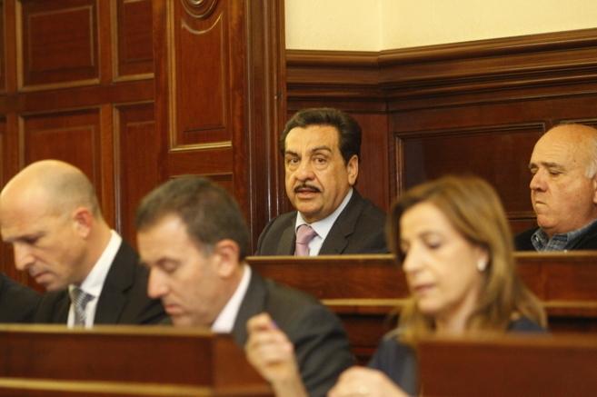 El alcalde de Vall d'Alba está acusado por su gestión como...
