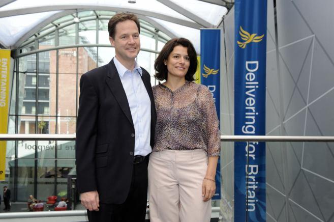 Nick Clegg y Miriam González.