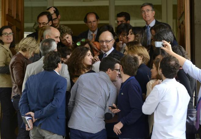 Cristóbal Montoro este miércoles en el pleno del Congreso de los...