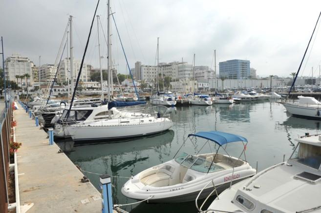 Puerto deportivo de La Bajadilla de Marbella.