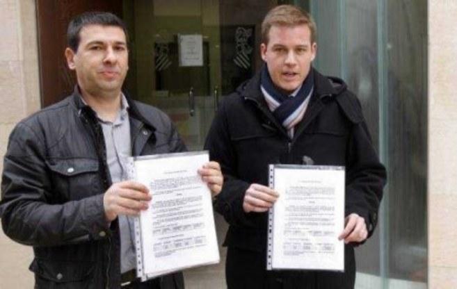 Roger Cerdà (dcha), tras presentar una denuncia en Fiscalía contra...