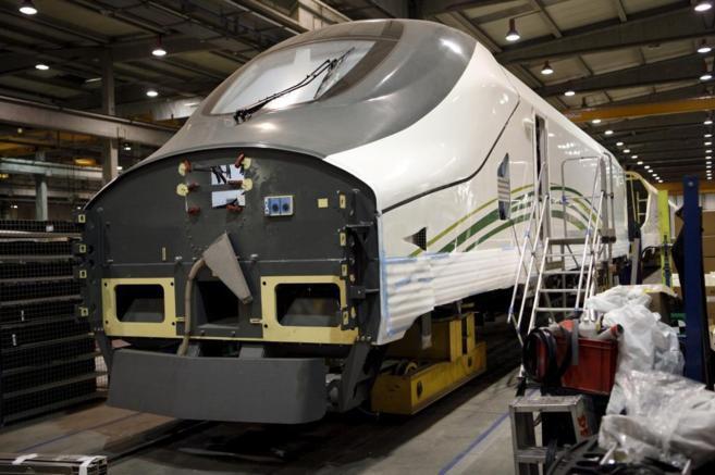 Un tren Talgo en la fábrica de Las Matas, Madrid.