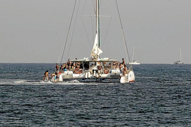 Formentera pretende eliminar de su paisaje las 'party boats'