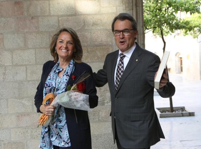 El presidente de la Generalitat celebra la festividad de Sant Jordi...