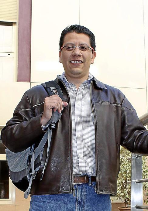 José Antonio Delgado, de la clínica de medicina del viajero . E.M.