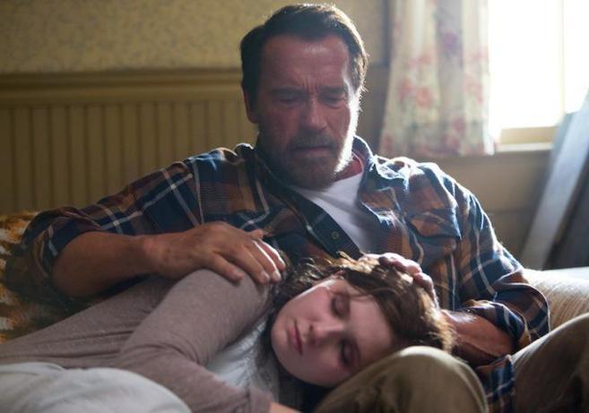 En 'Maggie' Schwarzenegger representa a un padre que cuida...