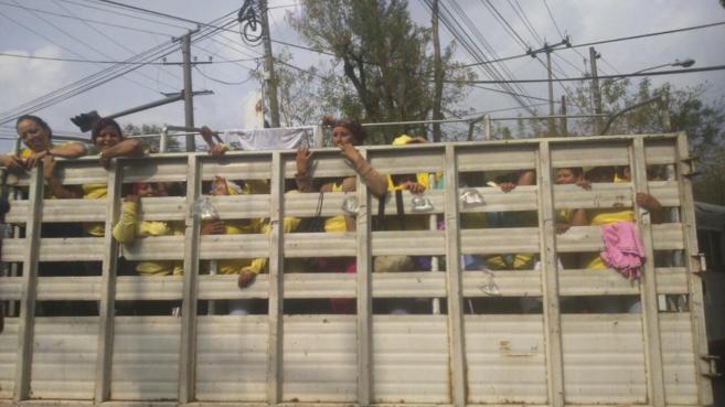 Traslado de presas a la cárcel de Ilopango en El Salvador