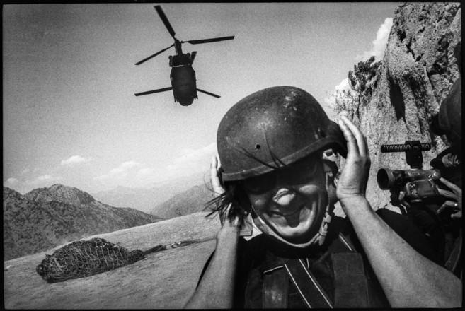 La fotoperiodista Lynsey Addario, en su cobertura de la invasión...