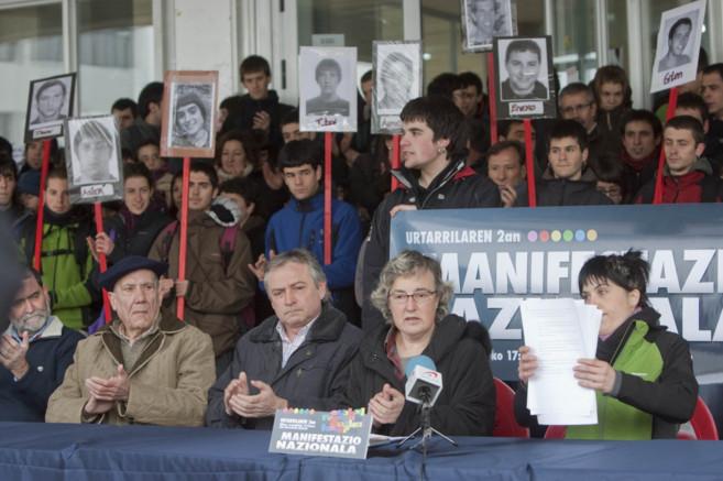 La profesora ArantzaUrkaregi, en una concentración a favor de que los...