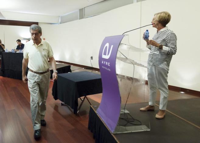 Sosa Wagner pasa por delante de Rosa Díez en el Consejo Político del...