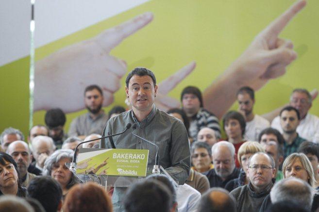 Hasier Arraiz en la presentación de la propuesta denominada...
