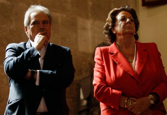 La alcaldesa de Valencia, Rita Barberá y el presidente de la...