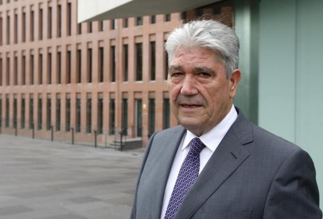García Prieto a las puertas de la Ciutat de la Justicia tras declarar...