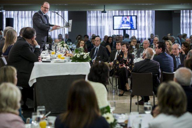 El presidente de las Cortes, Alejandro Font de Mora, durante su...