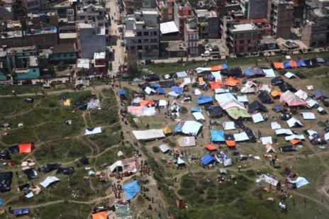 Campamento de Cruz Roja en Katmandú