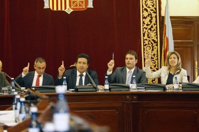 Un momento de las votaciones, este martes, en la Diputación de...
