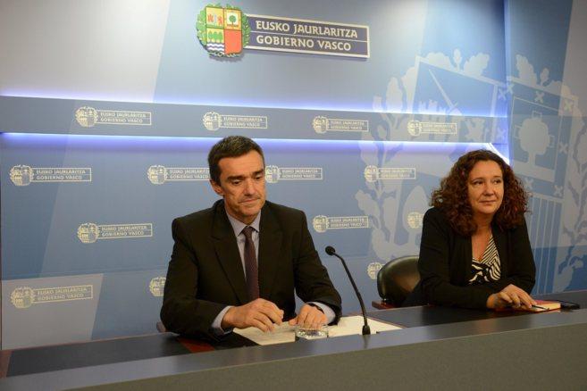 Jonan Fernández, y Monika Hermando.