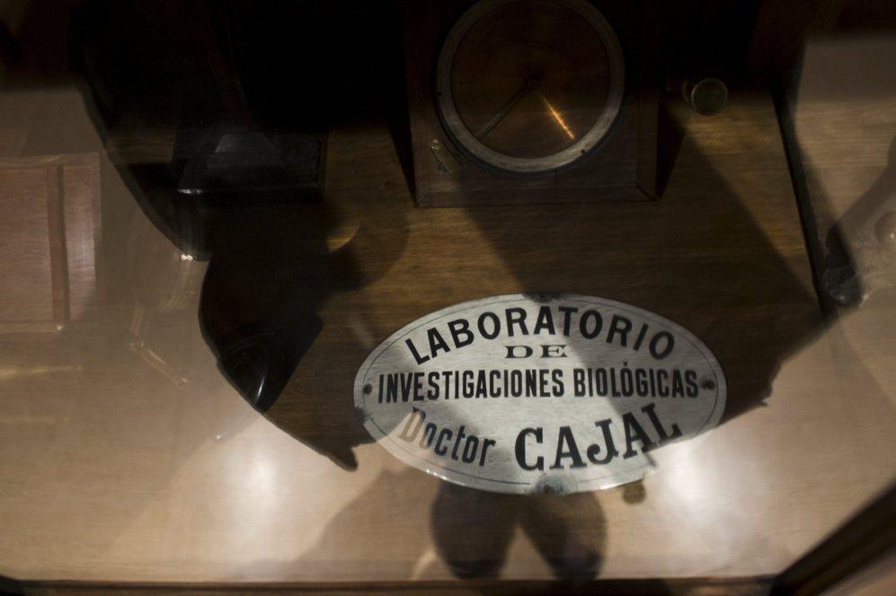 Placa del laboratorio que tenia en el edificio el Doctor Ramón y...