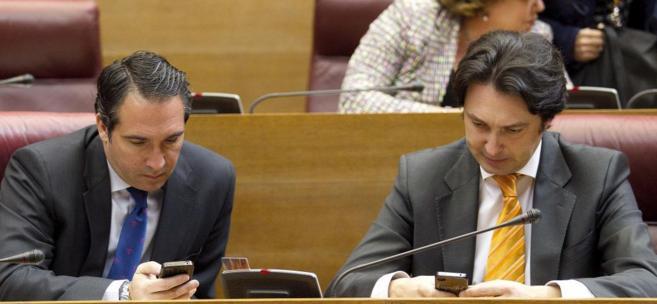 Rubén Ibáñez, izq., ya es diputado autonómico del PP por...