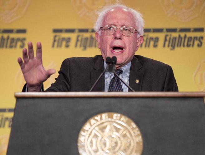 El senador independiente de Vermont, Bernie Sanders, durante un...