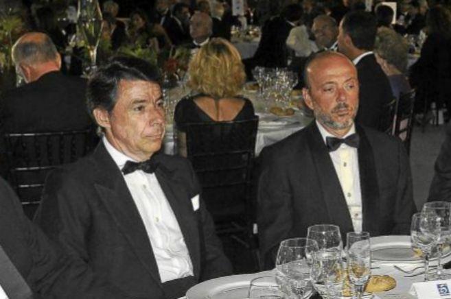 Ignacio González y el ex presidente de Indra, Francisco Javier...