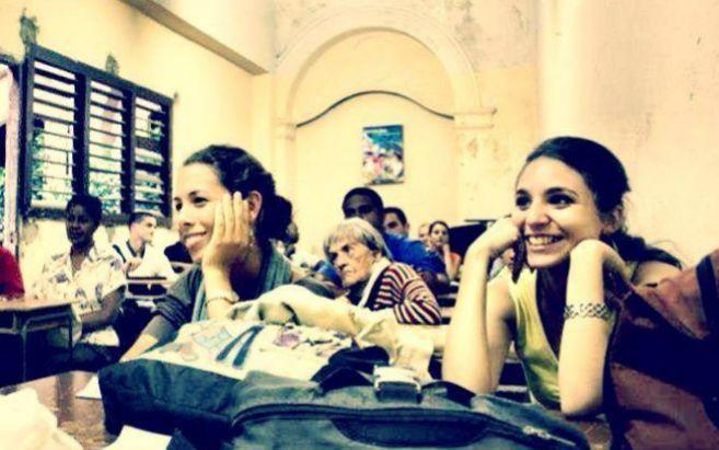 Alumnas cubanas asisten a un curso de la ONG Roots of Hope.