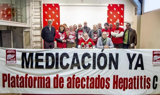 Representantes de la PLAFHC. Frente a los micrófonos, Mario Cortés.