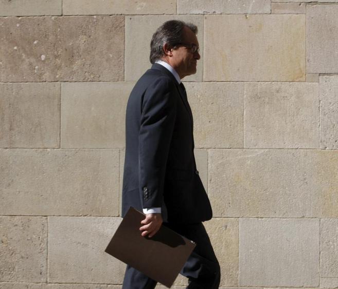 El presidente catalán Artur Mas, a la entrada del Palau de la...