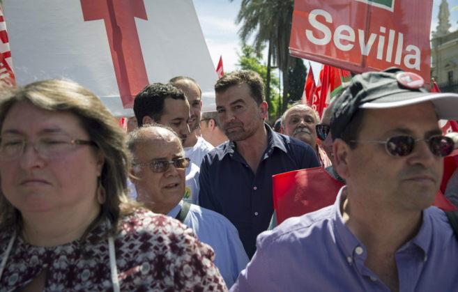 Maíllo, este viernes, durante la manifestación del Primero de Mayo...
