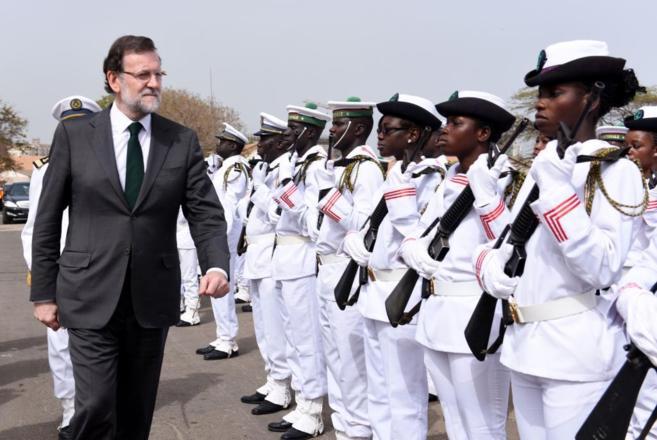 Recibimiento al presidente español en Dakar.