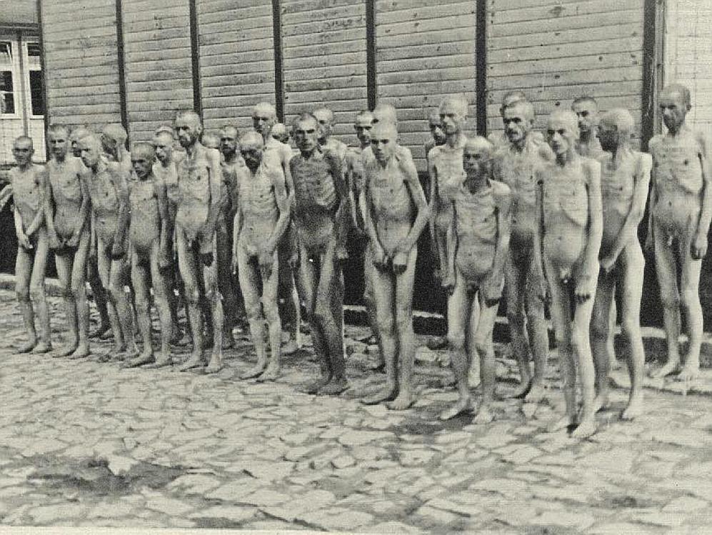 ÁLBUM de las imágenes robadas por Fernando Boix en Mauthausen.