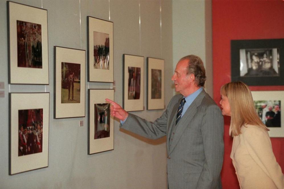 El Rey Juan Carlos con Queca Campillo en la inauguración de una...