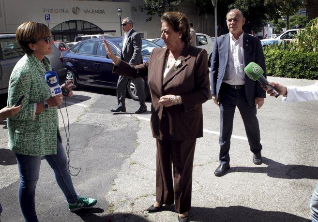 La alcaldesa, Rita Barberá, ayer,a ntes de la presentación del...