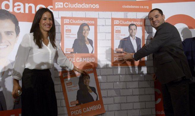 La candidata a la alcaldía de Ciudadanos, Begoña Villacís, y el...