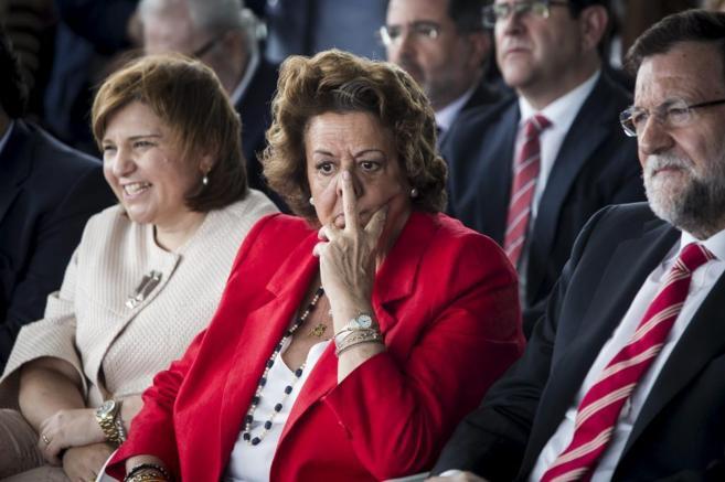 La alcaldesa Rita Barberá junto a Mariano Rajoy el pasado martes en...