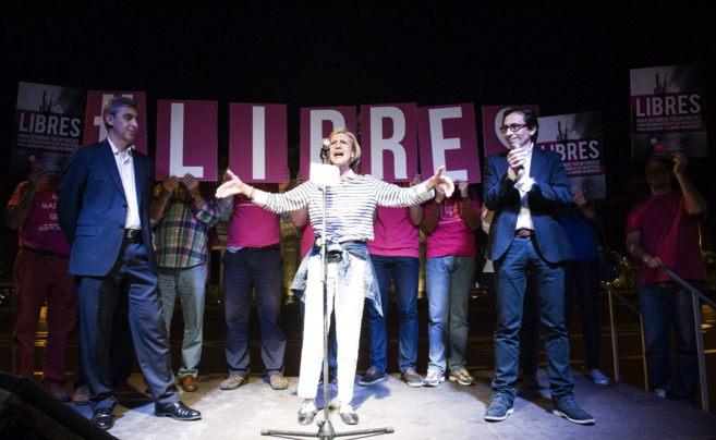 La portavoz de UPyD, Rosa Díez, y los candidatos al Ayuntamiento de...