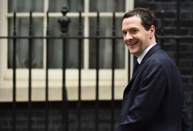 George Osborne a su llegada al número 11 de Downing Street el 8 de...