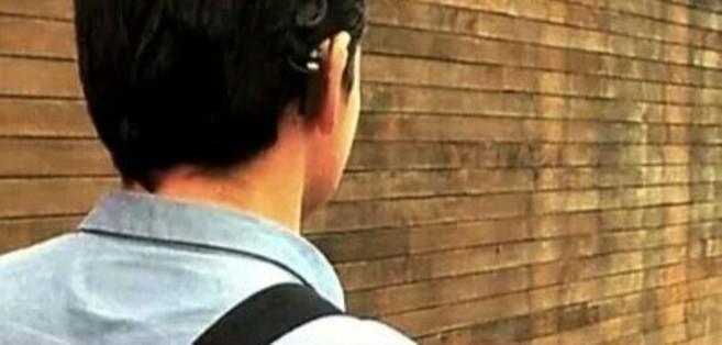 Miles de usuarios de implantes cocleares pasan temporadas sin oír por...
