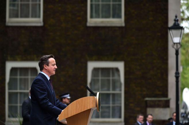 David Cameron se dirige a los británicos desde las puertas del...