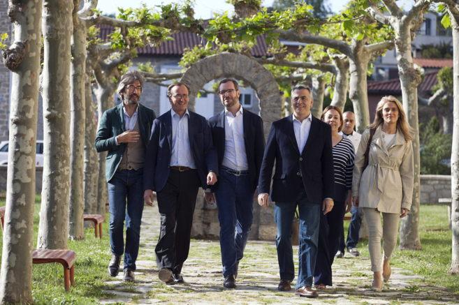 Iñaki Oyarzabak, Alfonso Alonso, Javier Maroto y Javier de Andrés,...