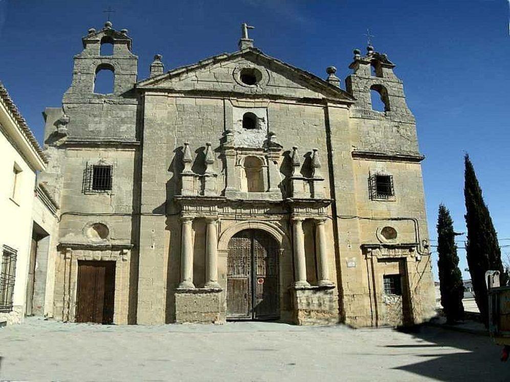 Fachada de la iglesia de Santo Domingo de Huete (Cuenca).
