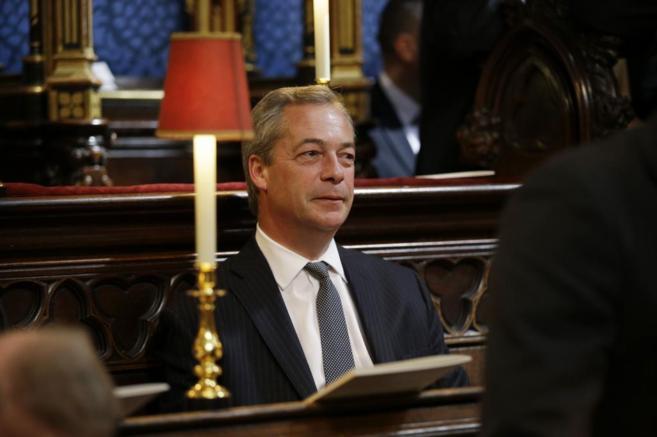 Nigel Farage, ayer, durante un acto conmemorativo de la Segunda Guerra...