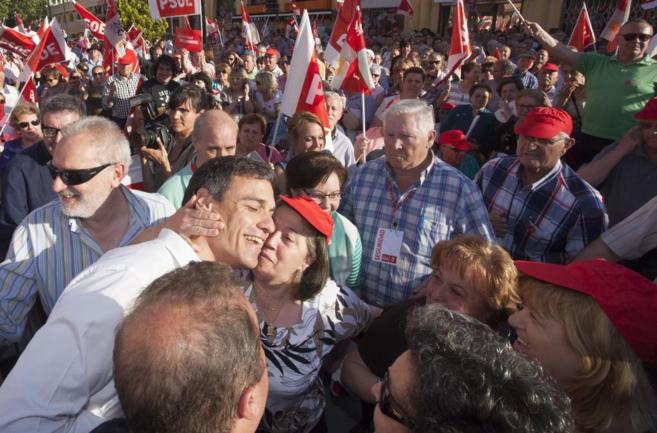 Sánchez, este lunes en Valladolid, donde ofreció un mítin junto a...
